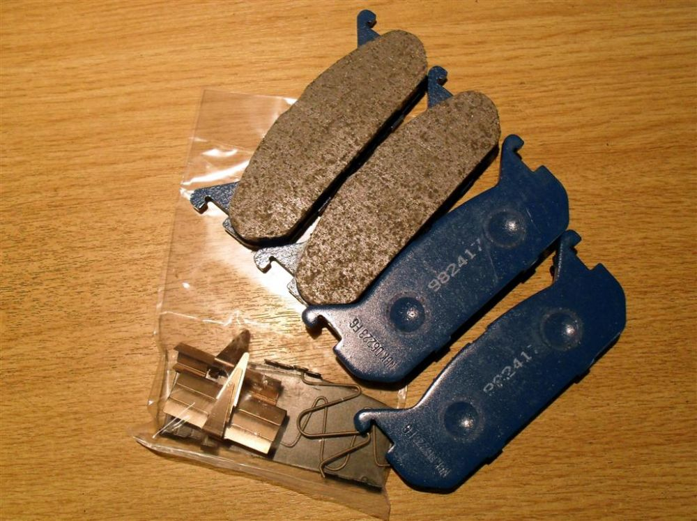 Brake pads, MX-5 1.6 mk1, rear, genuine Mazda, NAY92643ZA
